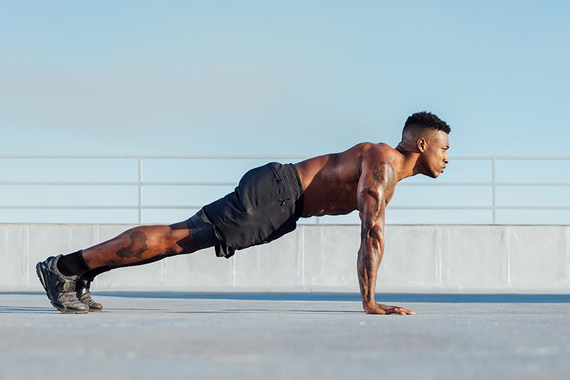 best men workout clothing brand alo yoga - Luxe Digital