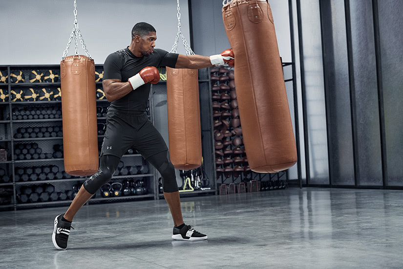 best men workout clothing brand under armour - Luxe Digital